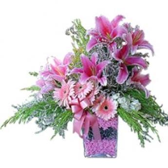 Pembe Lilyum Çiçek Aranjman