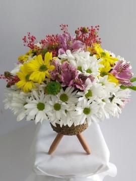 Vazoda Renkli Çiçekler