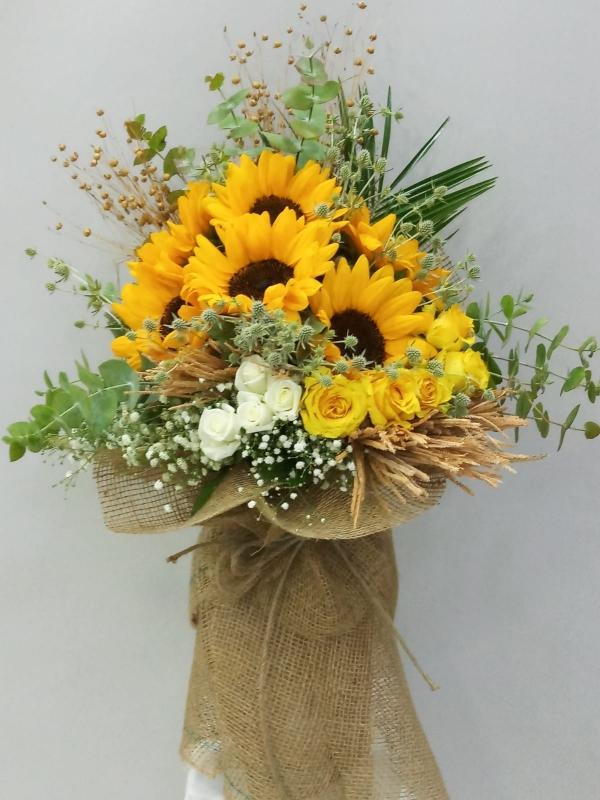Ayçiçeği Gül Çiçek Buketi